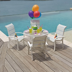 Woodard Junior Kids Set with Round Table and Four Chairs - 6V0067